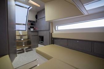 52 Gulf Stream 2020 11 Cabin