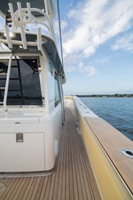 52 Gulf Stream 2020 19 Cockpit