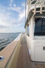 52 Gulf Stream 2020 20 Cockpit