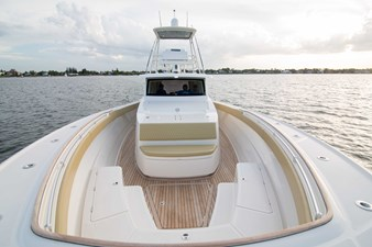 52 Gulf Stream 2020 24 Bow