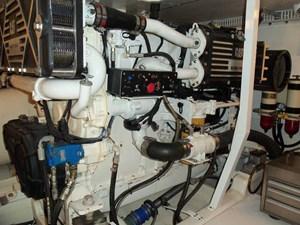 MARIKA 42 Port Engine
