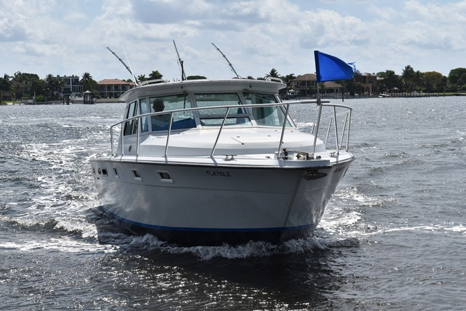 2_1984 31ft Tiara Yachts 31 WIDE LOAD