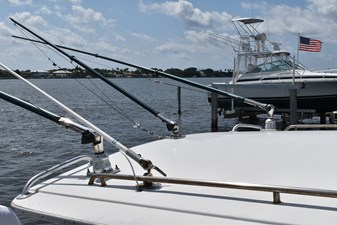 Wide Load 27 28_1984 31ft Tiara Yachts 31 WIDE LOAD