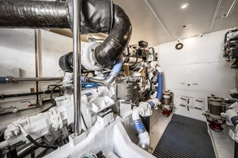 Summer Thunder  47 Engine Room facing Portside