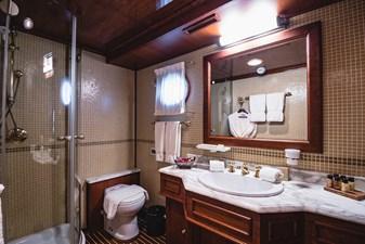 SEAGULL II 34 SEAGULL II -Stateroom bathroom