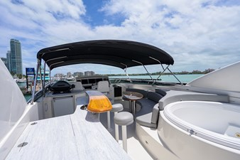 LIVING THE DREAM 34 Flybridge and Jacuzzi