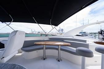 LIVING THE DREAM 36 Flybridge Seating