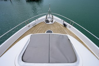 LIVING THE DREAM 42 Foredeck