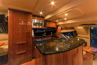 ARIEL 5 Galley with Upright Frigerator