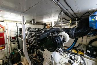 ARIEL 52 Starboard Engine