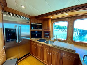 GAYLE FORCE 13 Galley