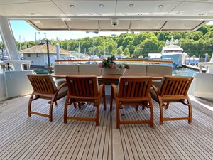 GAYLE FORCE 21 Main Deck Dining
