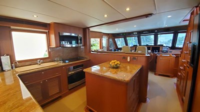 Loungeitude 10 Galley Wide