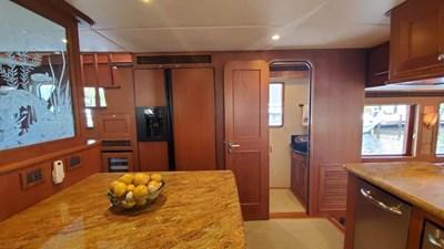 Loungeitude 11 Galley Starboard