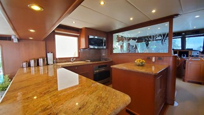 Loungeitude 12 Galley