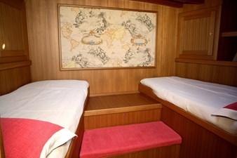 CLAN 2  14 cabin2