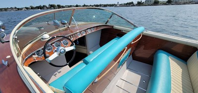 BERKELEY SQUARE 1 BERKELEY SQUARE 1958 RIVA TRITONE Cruising Yacht Yacht MLS #271493 1