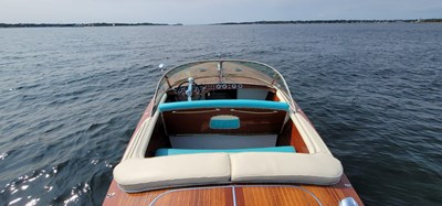 BERKELEY SQUARE 3 BERKELEY SQUARE 1958 RIVA TRITONE Cruising Yacht Yacht MLS #271493 3