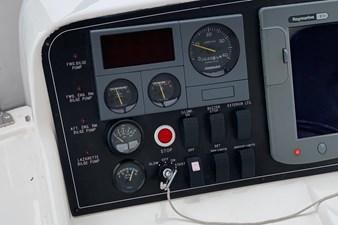 NO HURRY  28 Port Helm Console