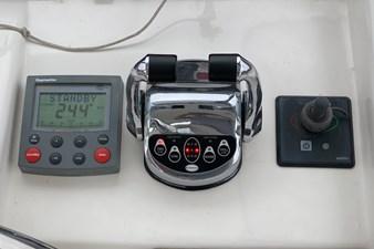 NO HURRY  31 Autopilot / Engine Controls / Thruster