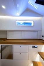 MERLIN 20 Cabin Storage