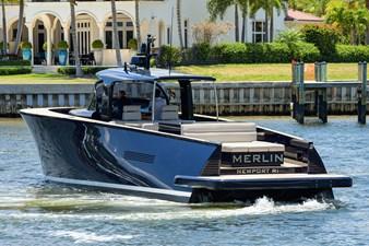 MERLIN 33 Port Stern Profile