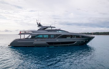 RIVA DOLCEVITA 110 1 Drone - lady first (3)