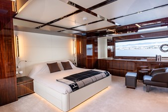 RIVA DOLCEVITA 110 14 master cabin (2)