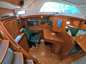 MYSTIC 5 Nav station, Looking Outboard