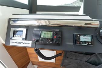 - 28 VHF and Fusion radio