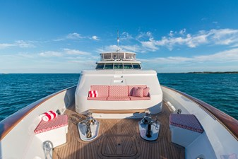 HAVEN 33 Foredeck