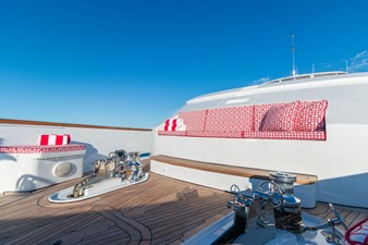 HAVEN 34 Foredeck