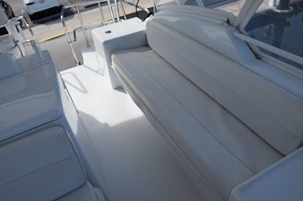 DITCH DIGGER 40 Flybridge Side Bench Seating
