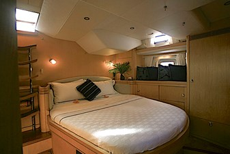 ENCORE 5 Owner's Stateroom