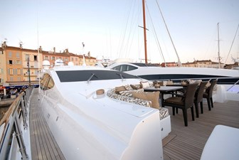 African Cat 24 25 Foredeck dining