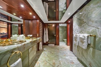 1989/2018 Benetti 151 MY Lady S 29 master bathroom
