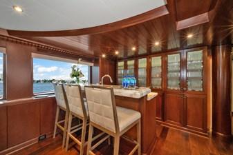 1989/2018 Benetti 151 MY Lady S 16 main deck, aft salon bar