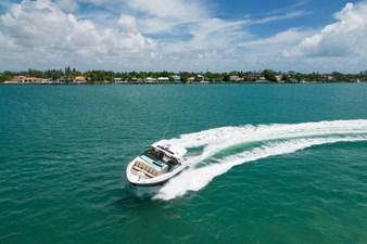 Sea Ray SLX 400 12