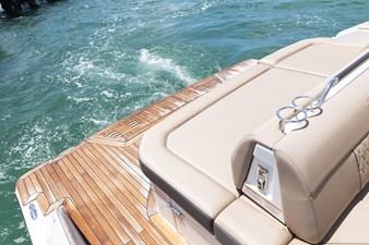 Sea Ray SLX 400 31