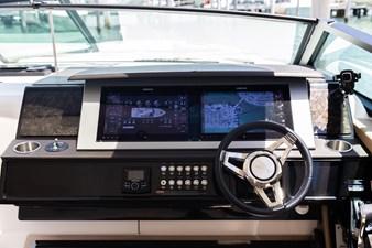 Sea Ray SLX 400 26