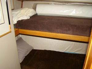 Cara Mia II 26 26. Crew Cabin