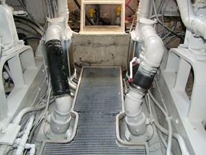 Cara Mia II 35 36. Engine Room