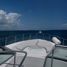 Cruisers Yachts 4270 Express 4