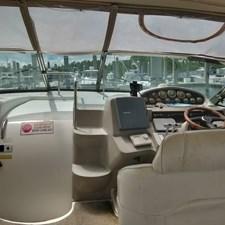 Cruisers Yachts 4270 Express 5