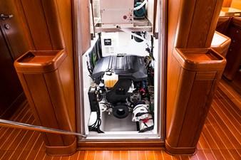Caveo 17 Engine room_HDR1