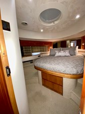 Small Change 21 VIP Guest Stateroom Forward