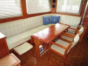 Fleur De Lis 25 24_2780261_49_grand_banks_salon_starboard_seating