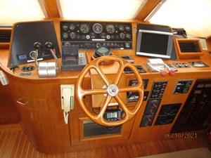 Kaos 37 36_2780267_55_symbol_pilothouse_helm2