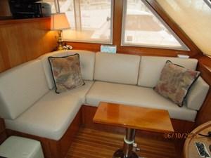 Kaos 38 37_2780267_55_symbol_pilothouse_port_seating