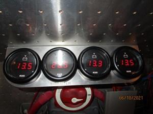 Kaos 67 66_2780267_55_symbol_battery_bank_voltage_gauges